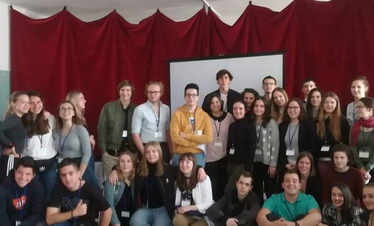 """Αντιπροσωπεία του Βενετοκλείου 1ου Λυκείου Ρόδου σε εκπαιδευτική συνάντηση στην Ουγγαρία στο πλαίσιο του προγράμματος ERASMUS+ """"Educating Citizens"""""""