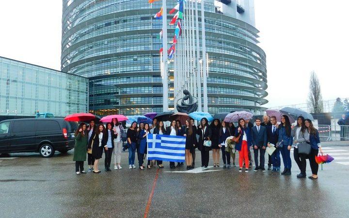 Διακρίσεις για τους μαθητές και τις μαθήτριες του 1ου ΓΕΛ Ρόδου στην ημερίδα Euroscola 2016.