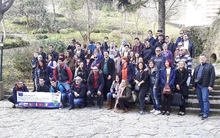 """Αντιπροσωπεία του Βενετοκλείου σε εκπαιδευτική συνάντηση στην Κωνσταντινούπολη, στο πλαίσιο του προγράμματος Erasmus+ """"Blic& Clic"""""""